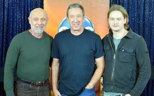 Tim Allen (center)