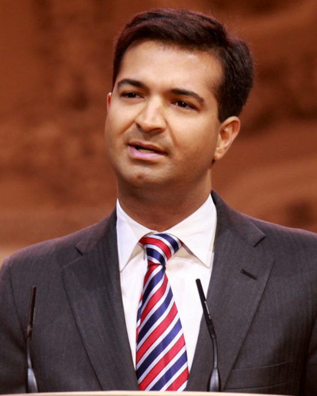 Carlos Curbelo speaking at the 2014 CPAC in Maryland
