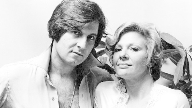 Joe Bologna and wife Renee Taylor in 1974