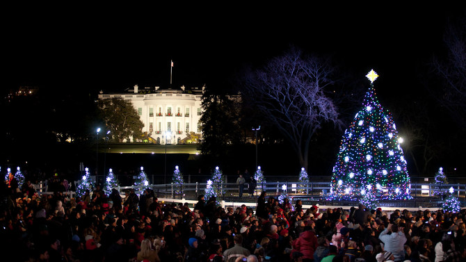 There's One Key Difference Between Obama and Trump's White House Christmas Cards