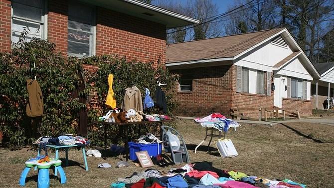 Woman Overhears Little Girl At Yard Sale, Shocks Mother